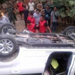 Mobil Guru Danau Kecelakaan